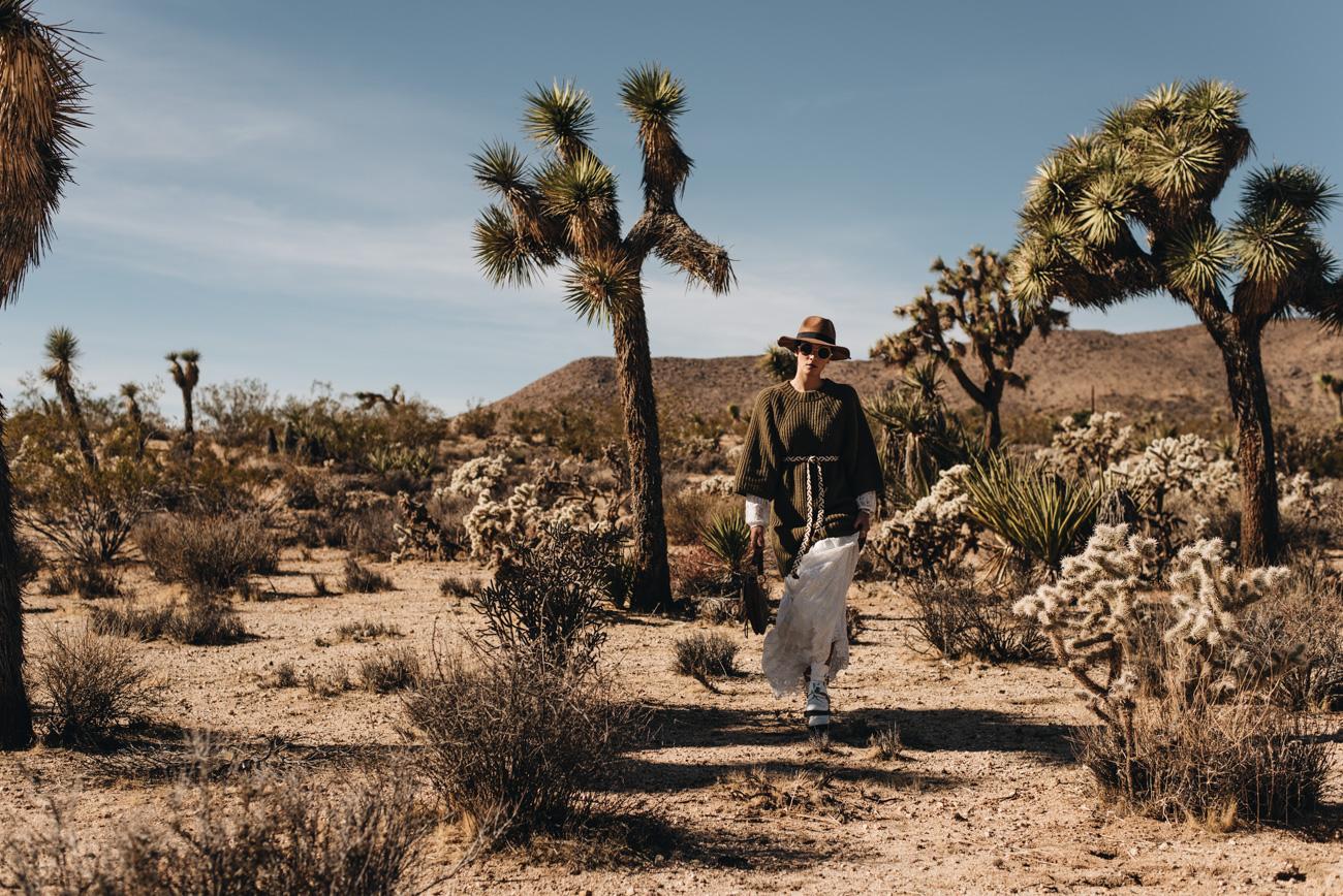 Fashion-Foto-Shooting-Wüste-Palmen-Kalifornien-Joshua-tree-nationalpark-Park-nina-schwichtenberg-fashiioncarpet-modebloggerin-deutschland-münchen
