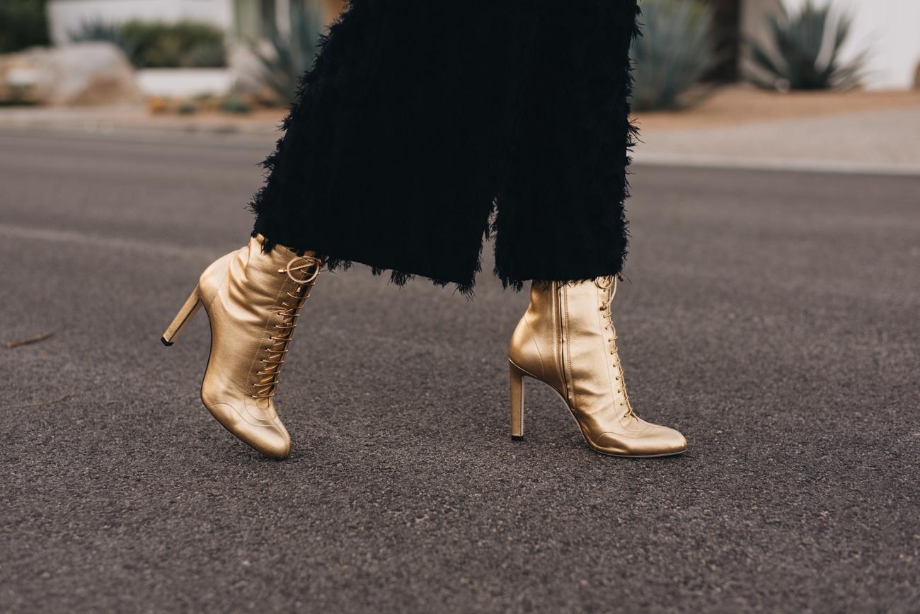 Jimmy-Choo-Daize-100-boots-stiefeletten-goldene-Schuhe-Schuhtrends-2018-nina-schwichtenberg-fashiioncarpet