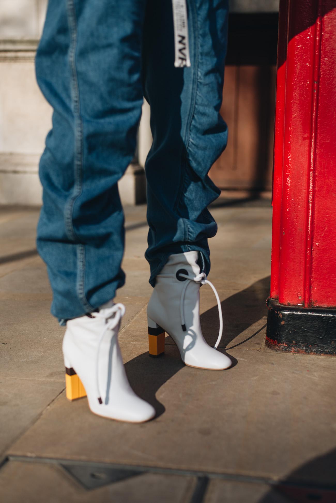 MALONE-SOULIERS-ROKSANDA-Ankle-Boots-aus-Leder-weiße-stiefeletten-nina-schwichtenberg-fashiioncarpet