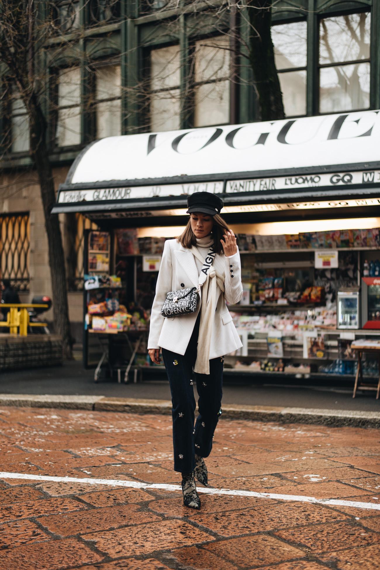 Mailand-Fashion-Week-Streetstyle-Sock-Boots-Lace-Spitzen-material-nina-schwichtenberg-fashiioncarpet