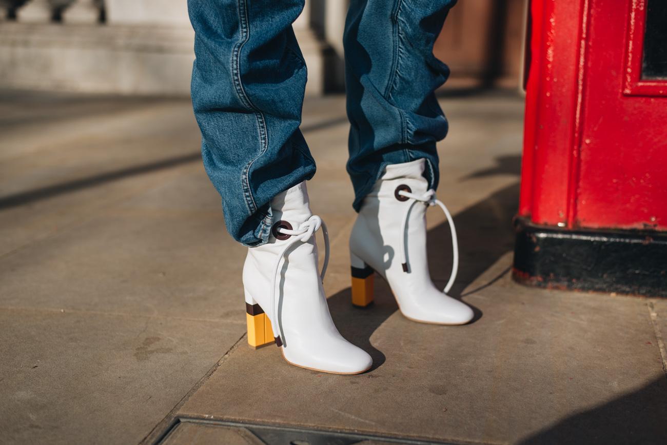 MALONE-SOULIERS-ROKSANDA-Ankle-Boots-aus-Leder-weiß-nina-schwichtenberg-fashiioncarpet