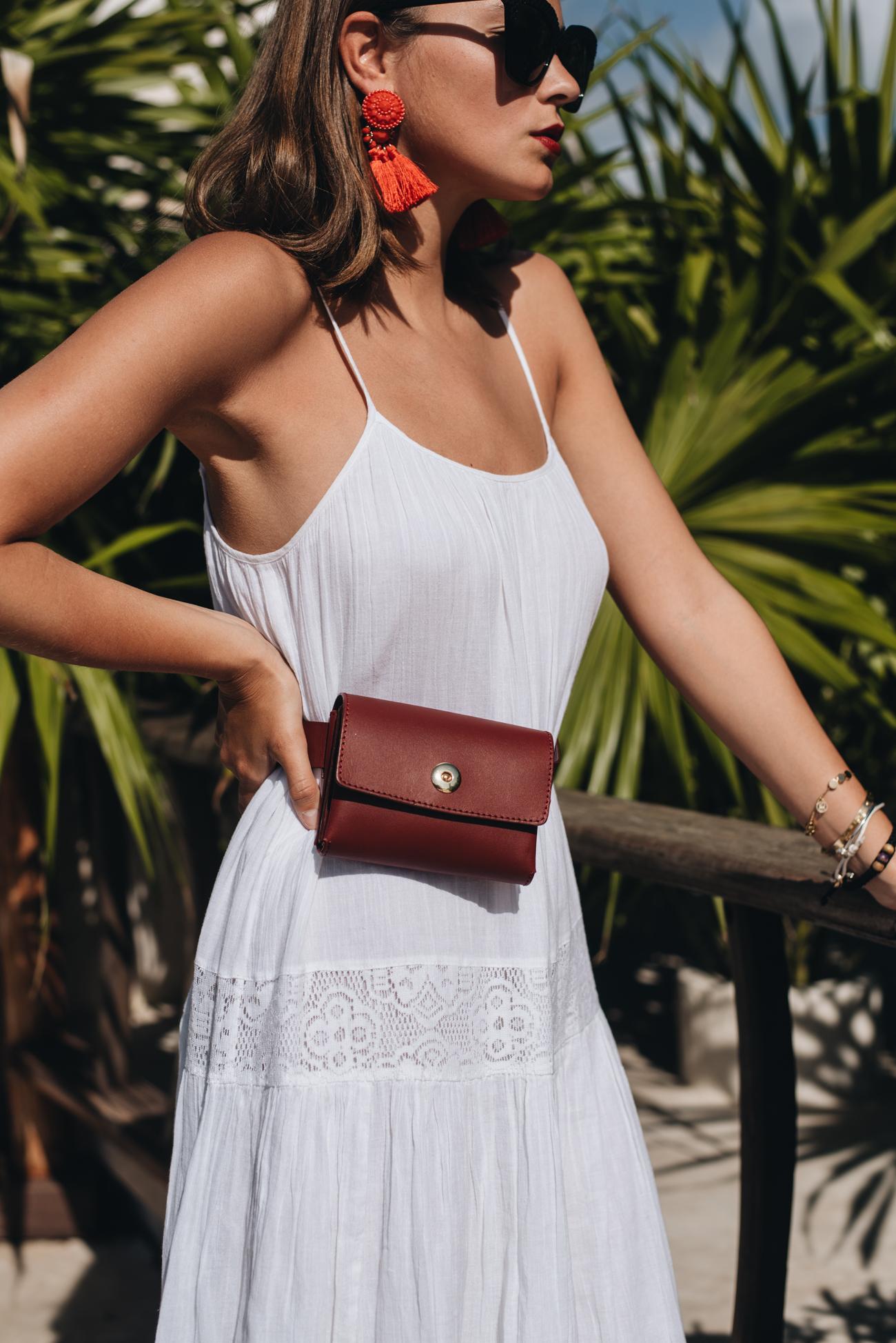 mode-bloggerin-nina-schwichtenberg-mode-trends-2018-weiße-sommerkleider-fashiioncarpet