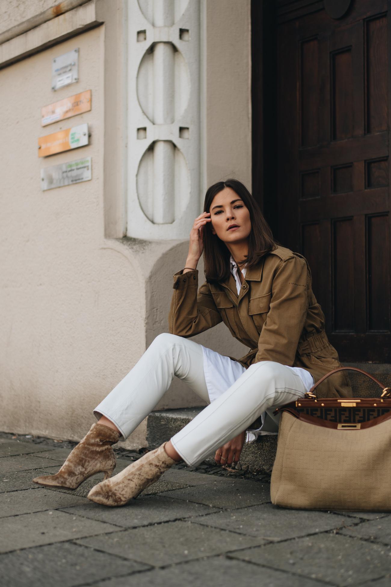 Mode Influencer Nina Schwichtenberg trägt die neuen Frühjahr Trends 2018