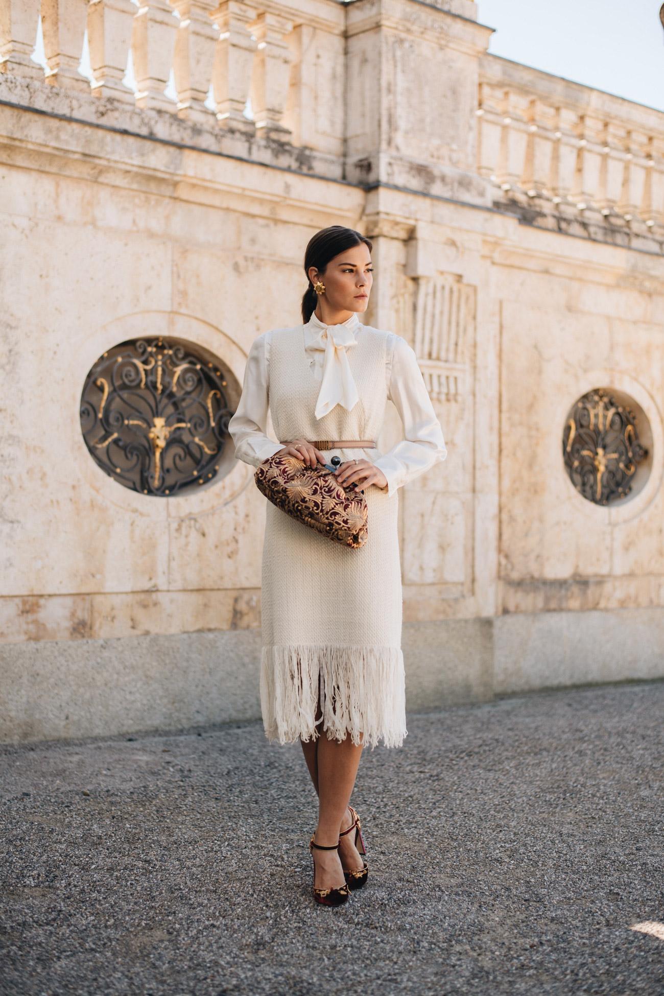 Outfit für einen Cocktail Dresscode