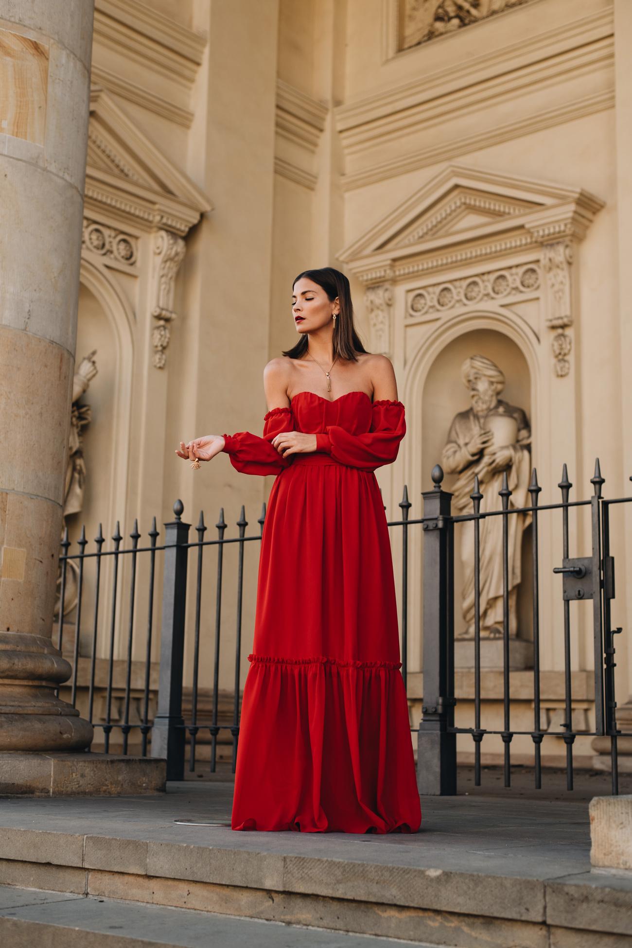 bodenlanges rotes Abendkleid