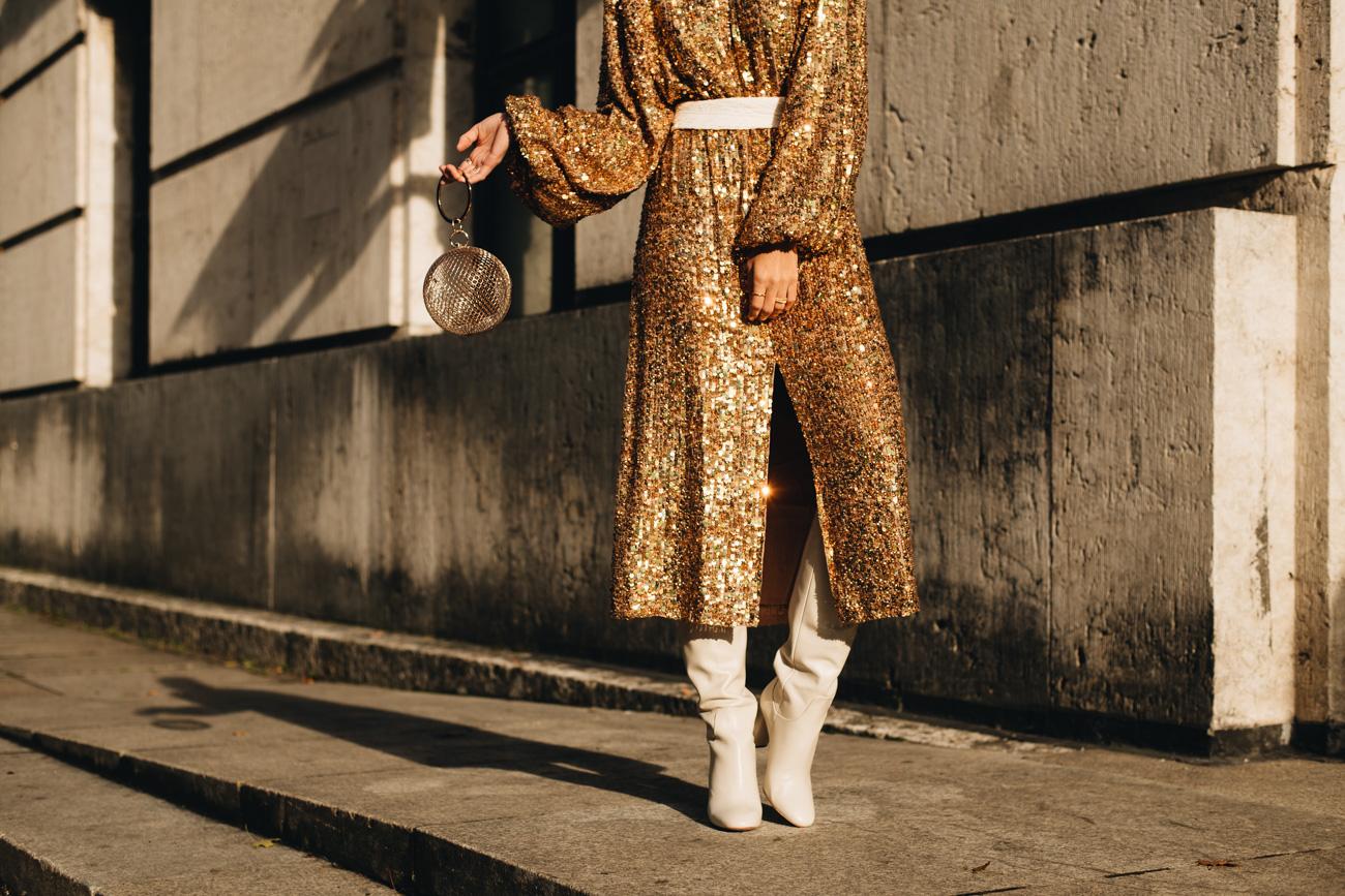 Zara Slouch Stiefel in weiß