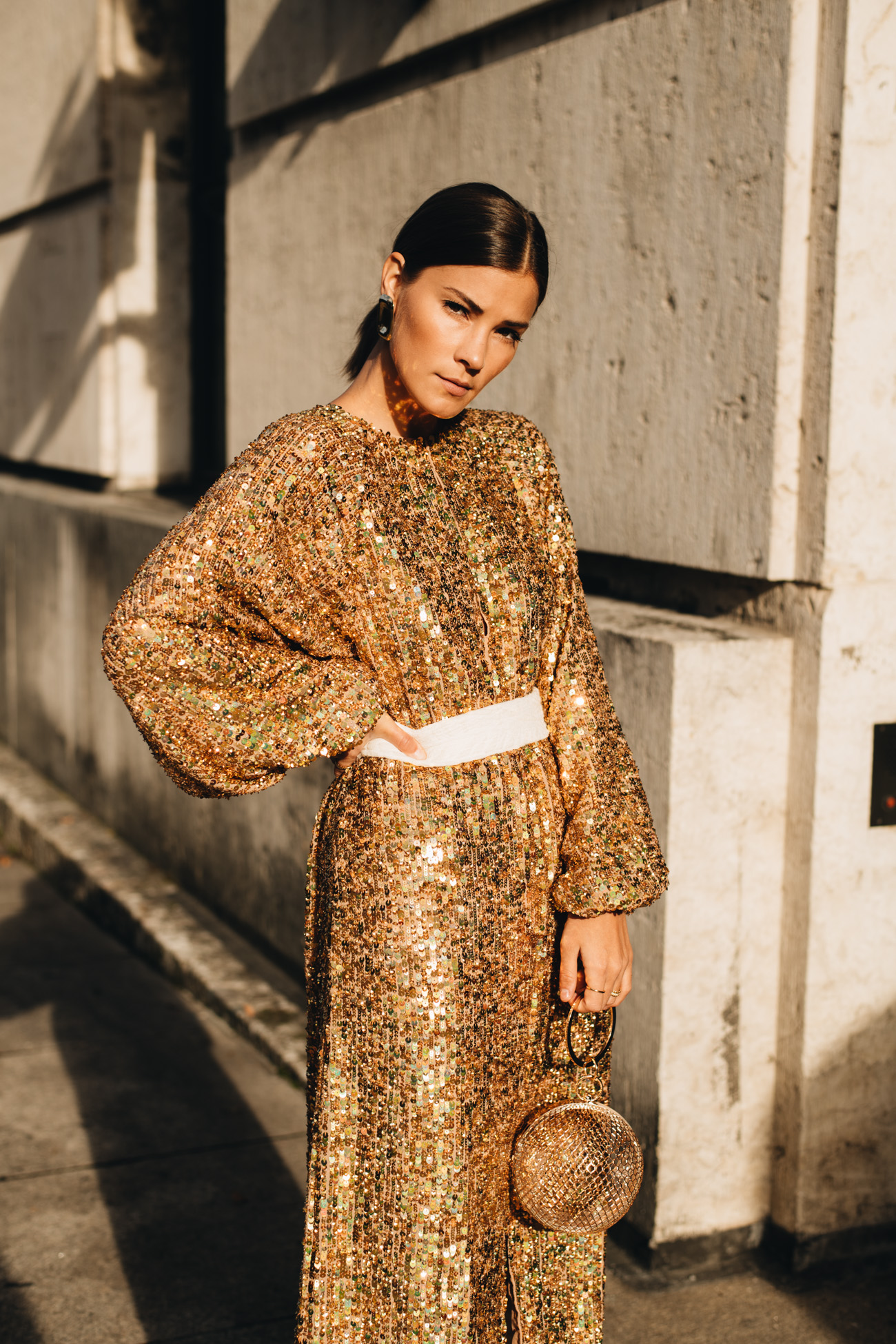 Silvester Outfit mit Pailletten Kleid