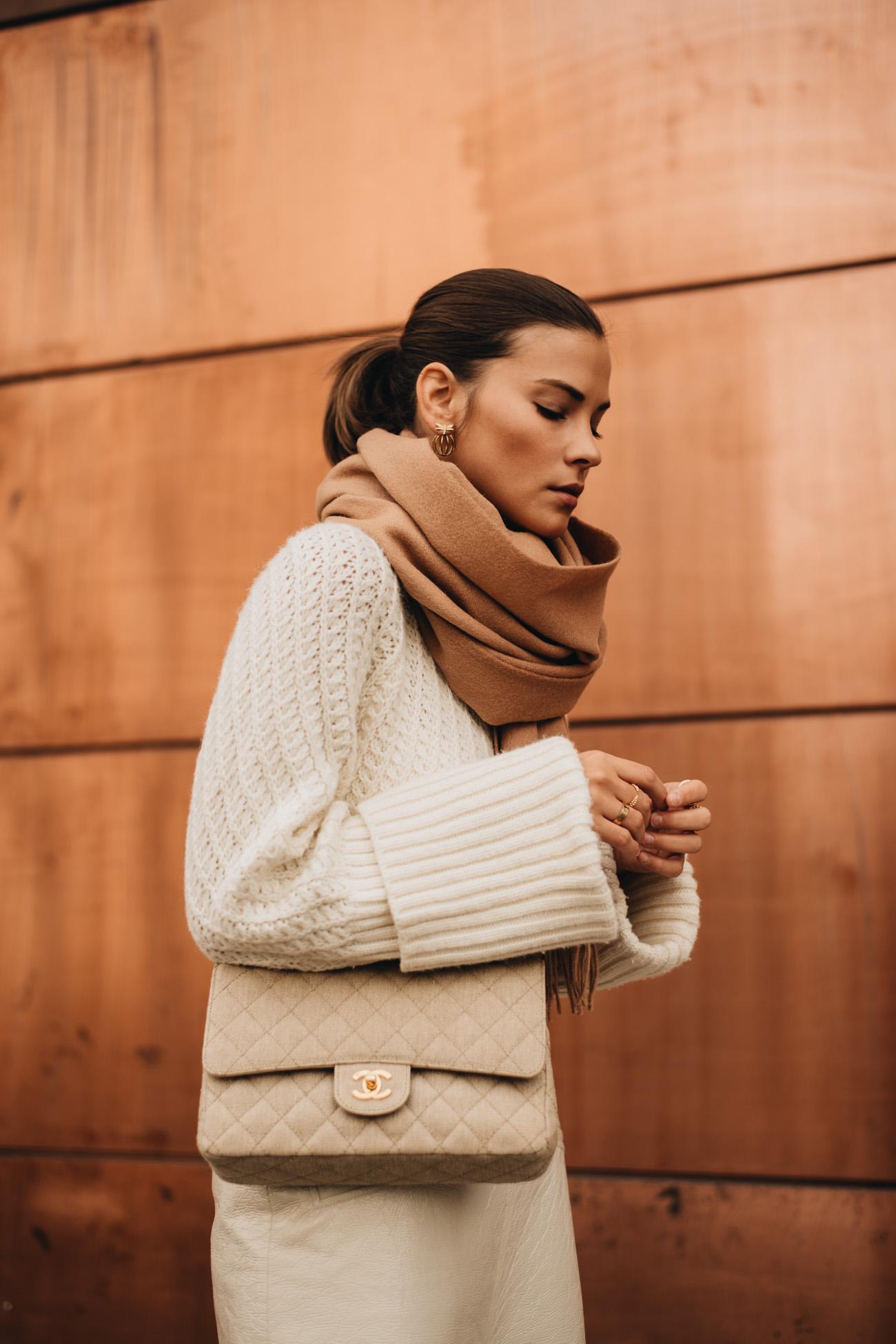Hellbrauner Schal aus Wolle