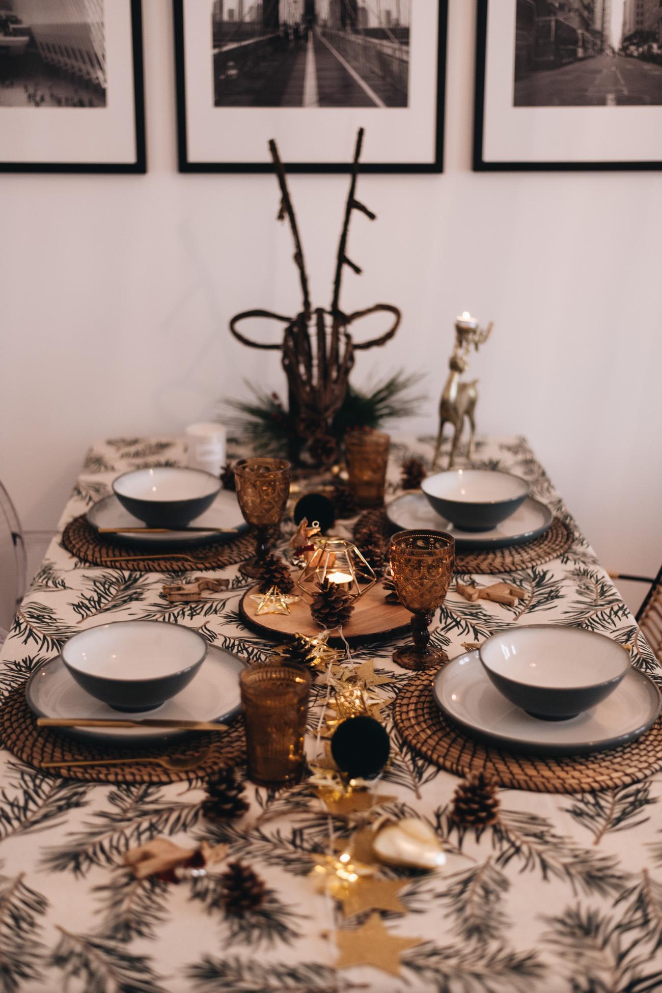 Tischdekoration zu weihnachten