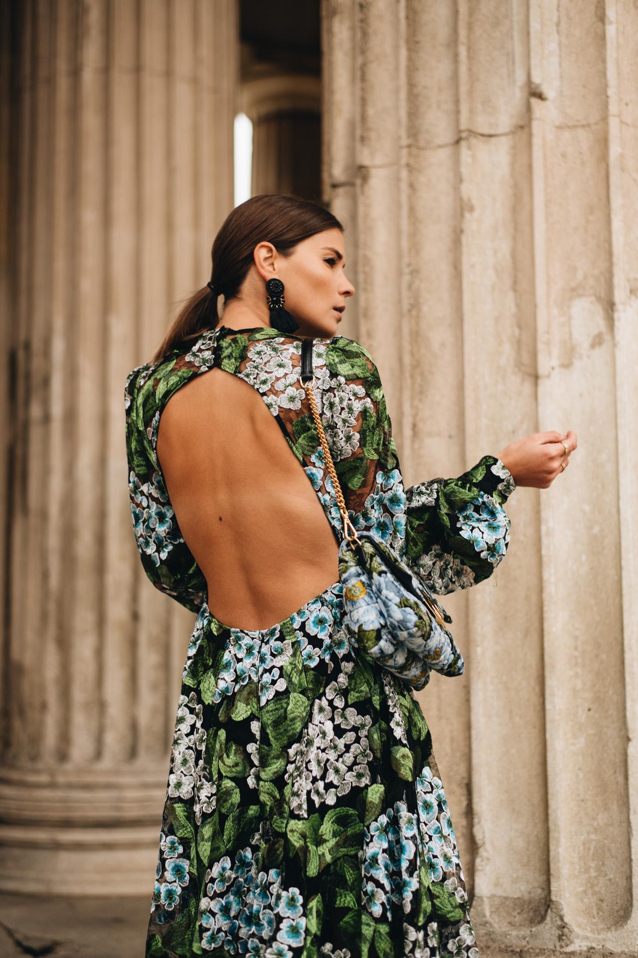 Festliches Kleid mit Rückenausschnitt