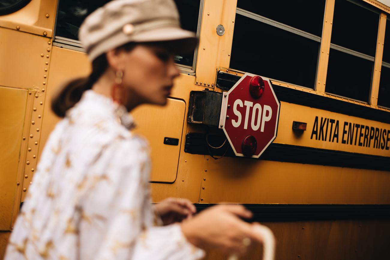 Mode Foto Shooting amerikanischer Schulbus