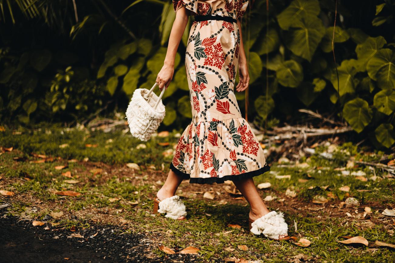 Kleid mit Rüschen Saum