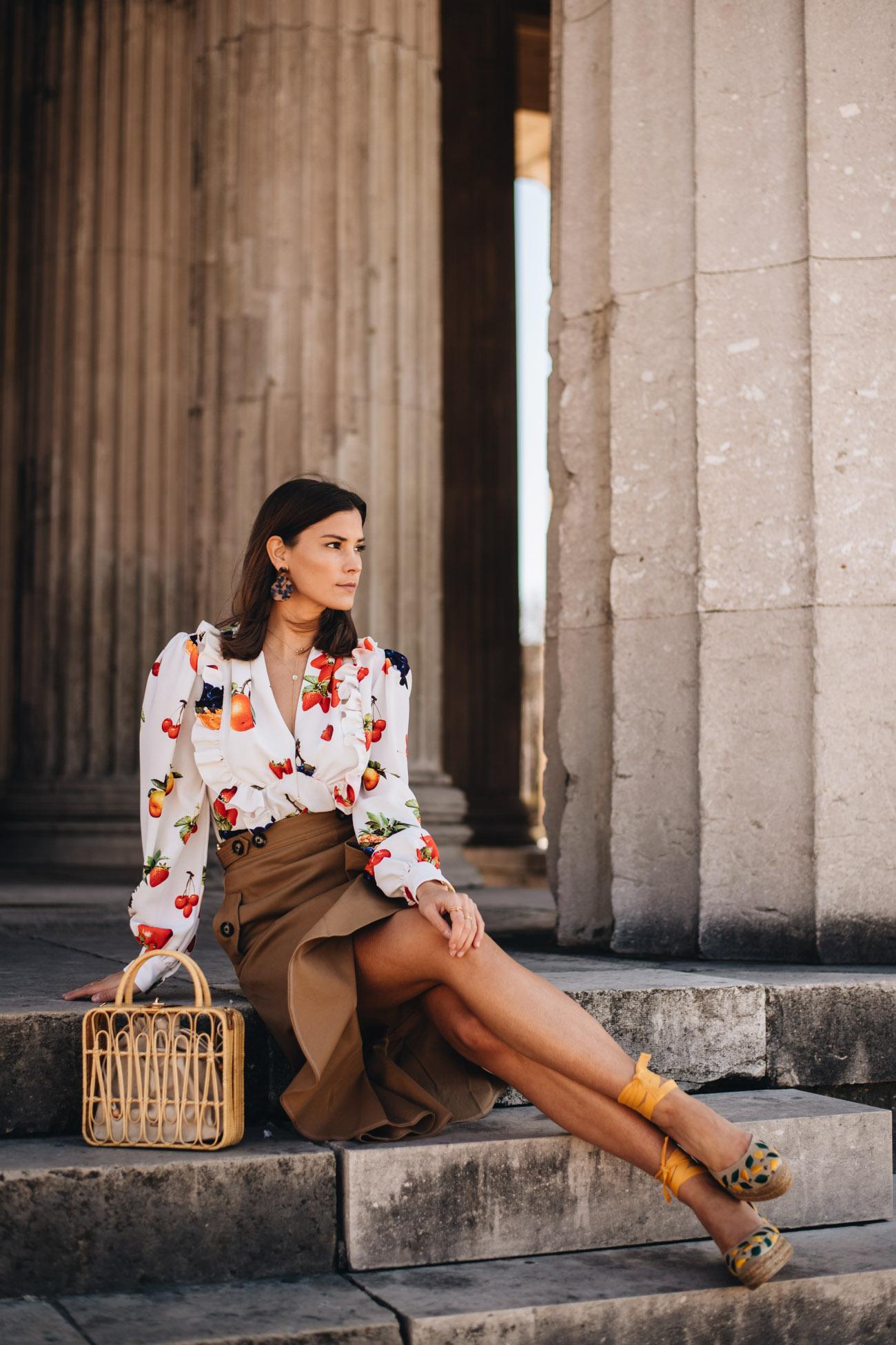 Sommer Outfit mit Rock und Bluse