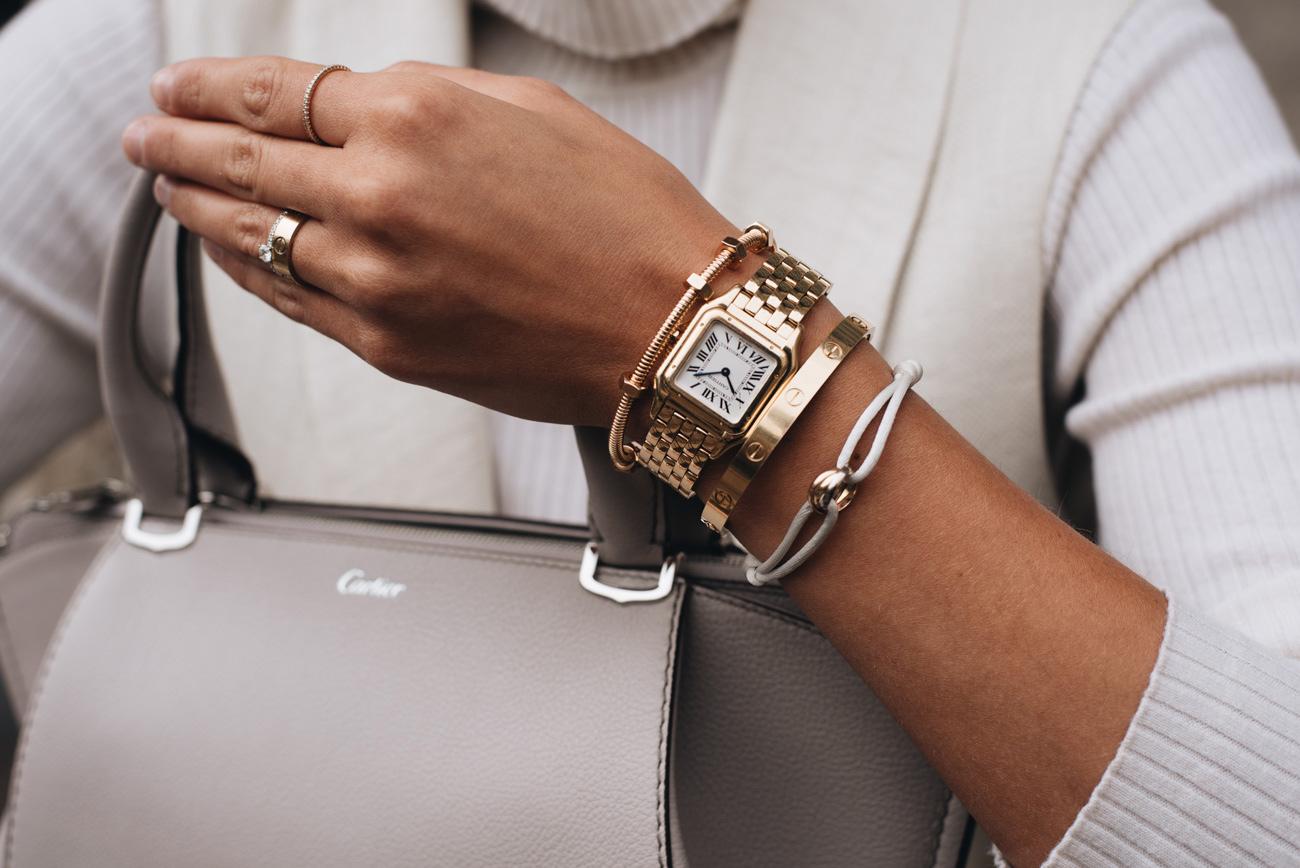 Schmuck Layering mit Uhr und Armband