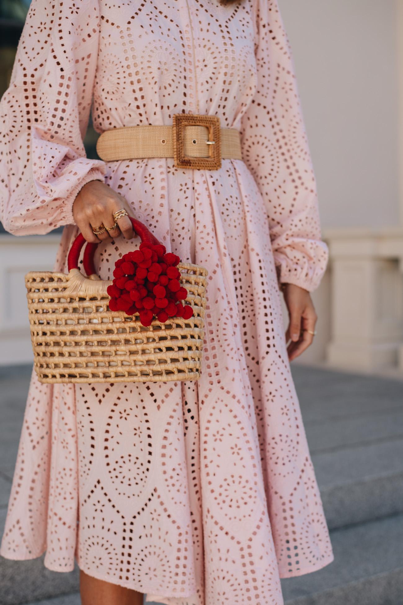 Korb Handtasche mit Pom Pom Details