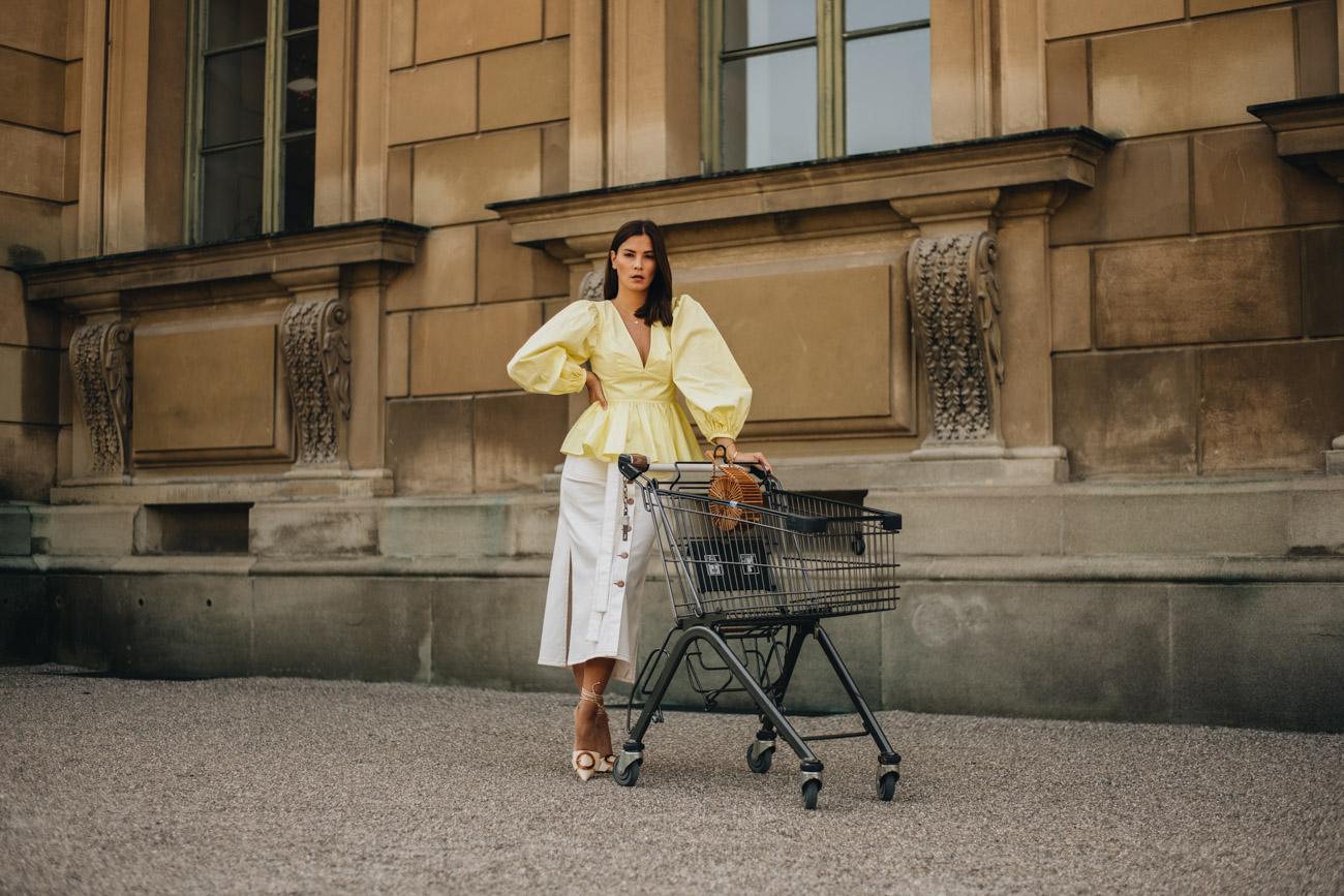Fashion Editorial Shooting Einkaufswagen