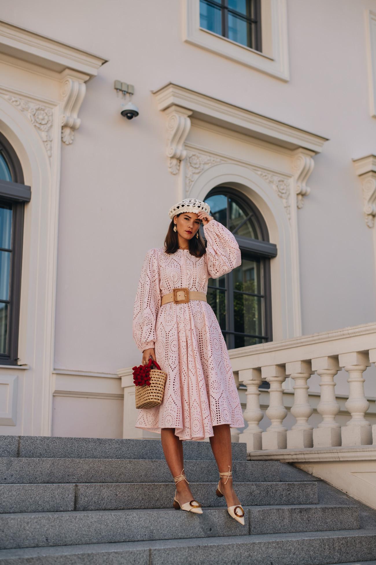 Rosa Ganni Kleid aus Lochspitze