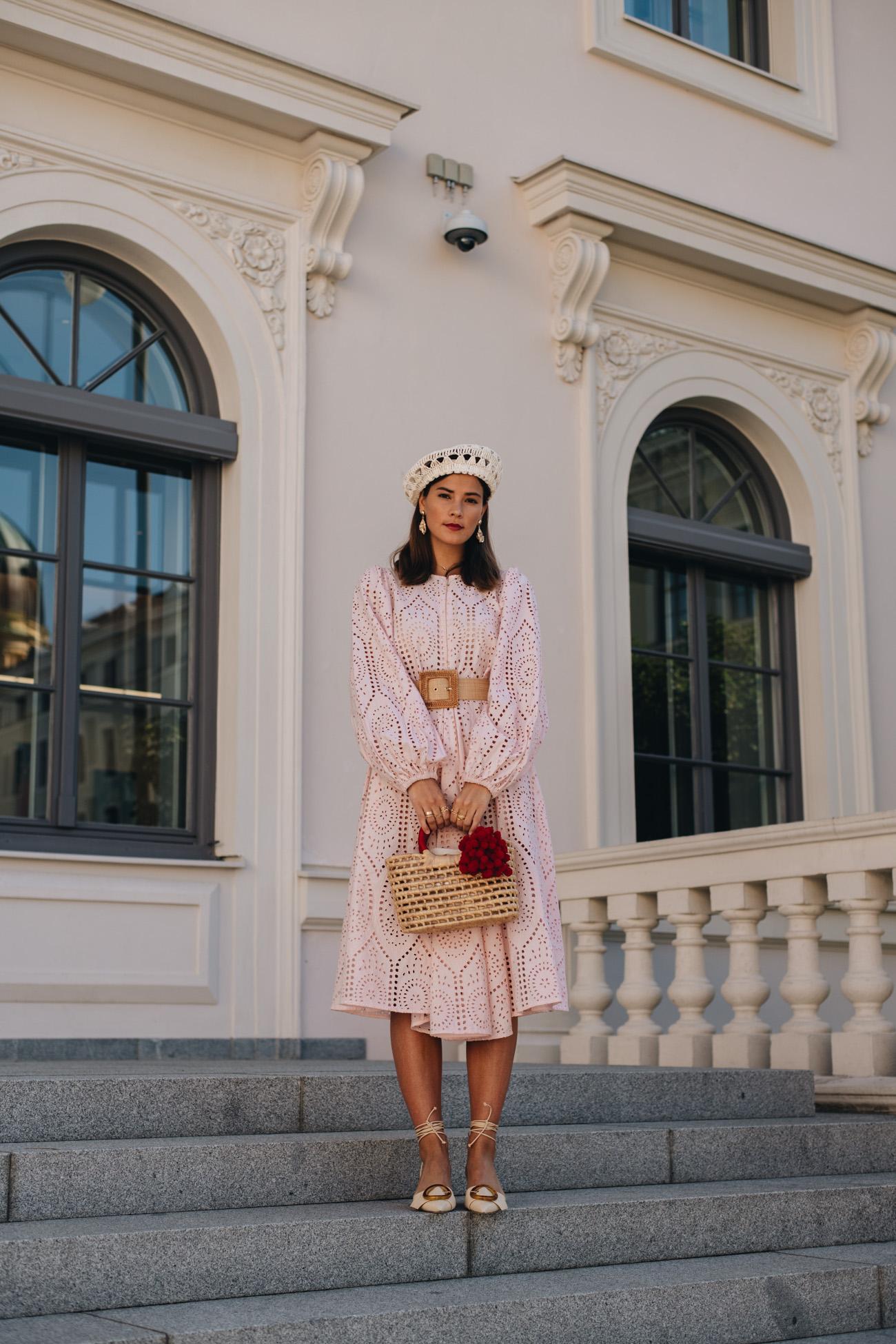Büro Outfit mit Kleid