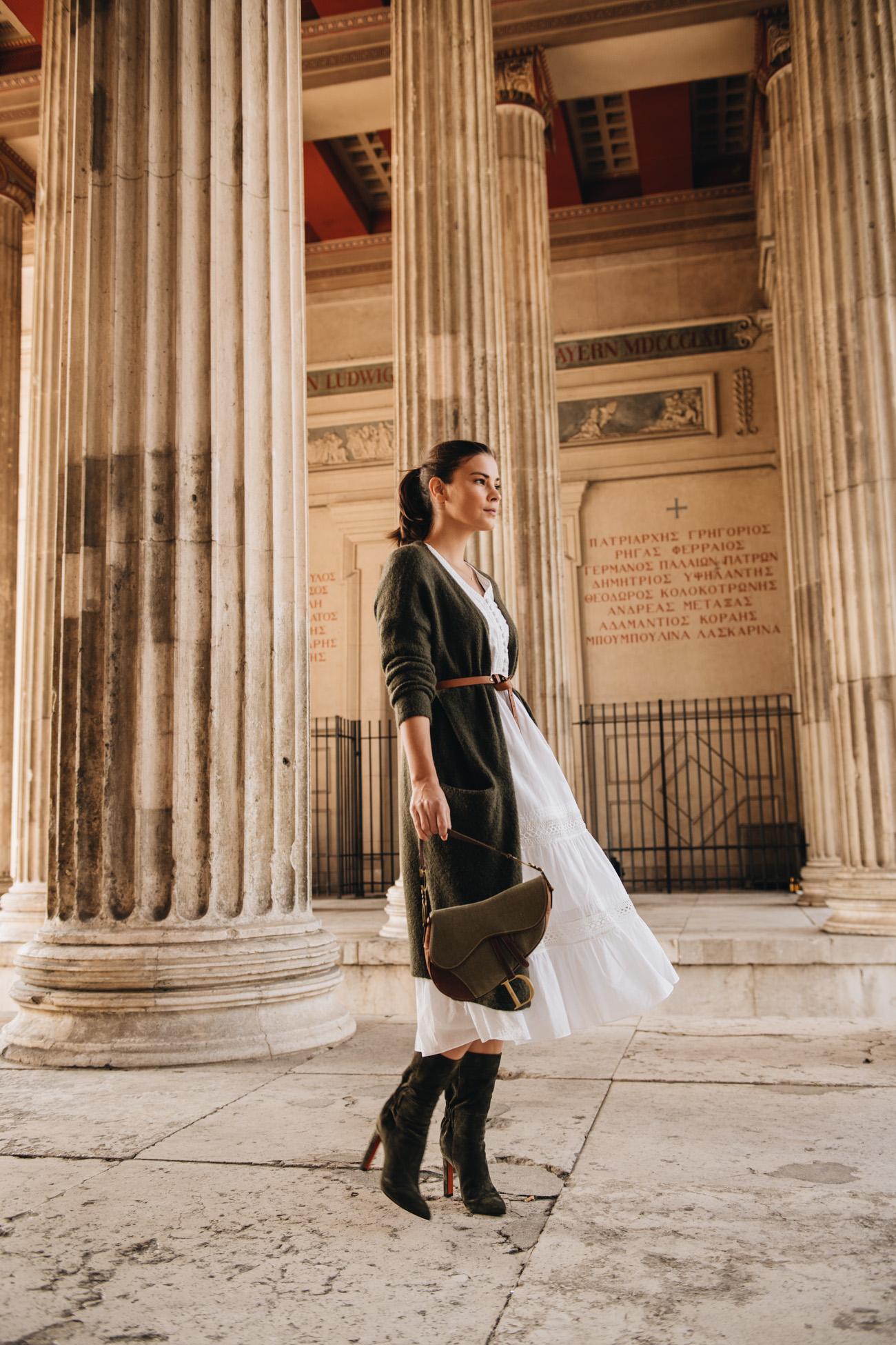 Herbst Outfit Kleid mit langem Cardigan