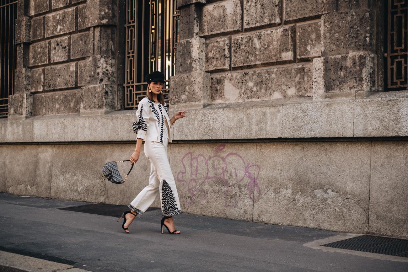 weißer Hosenanzug aus Jeans