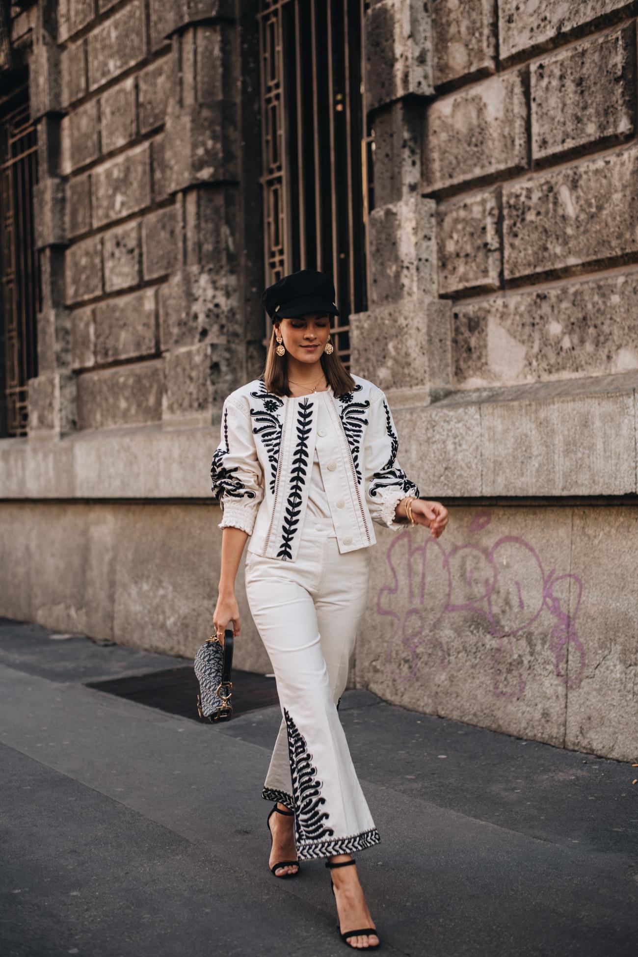weißer Anzug aus Jeans