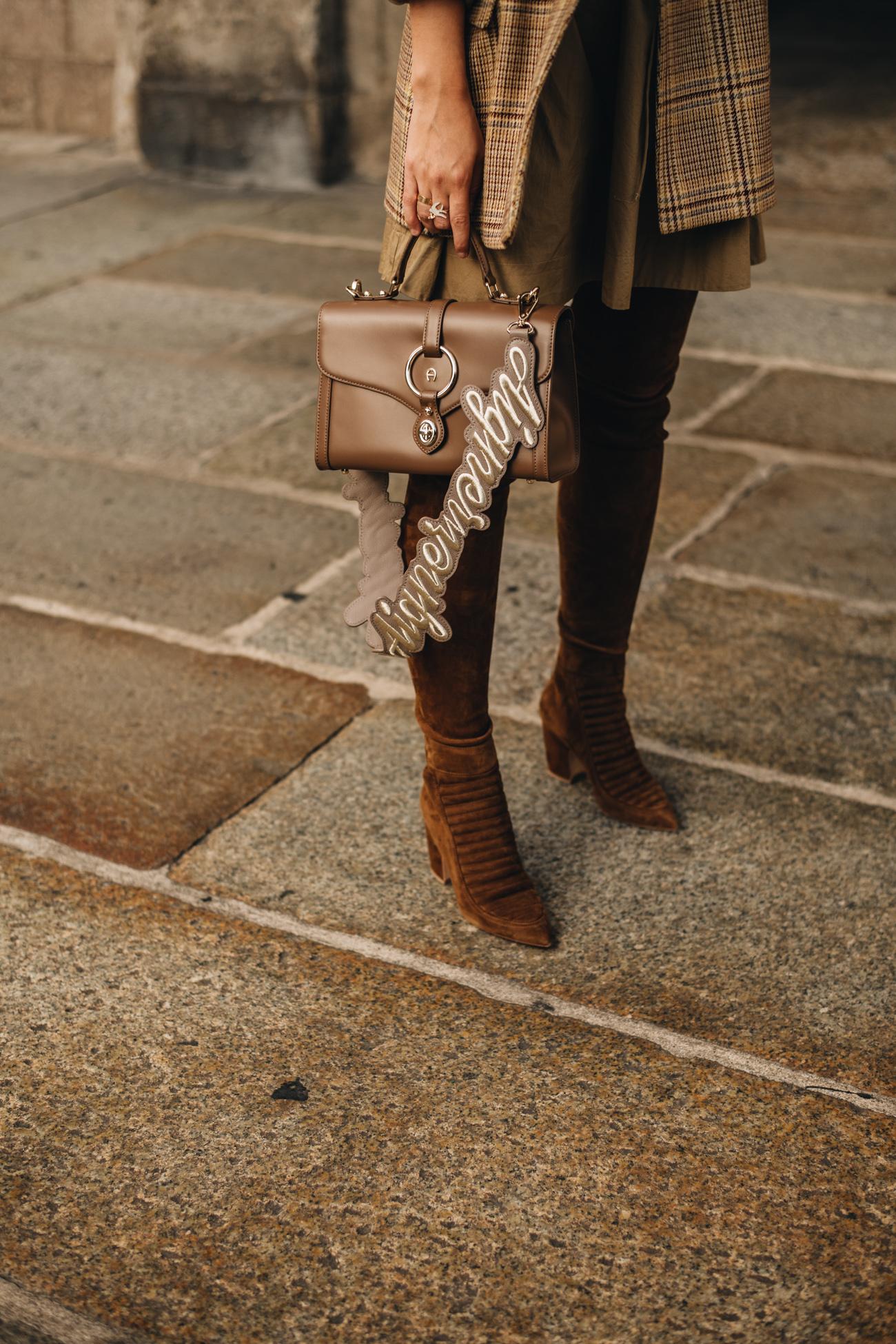 Outfit Jil Sander Vintage Blazer Braune Overkneestiefel Fashiioncarpet