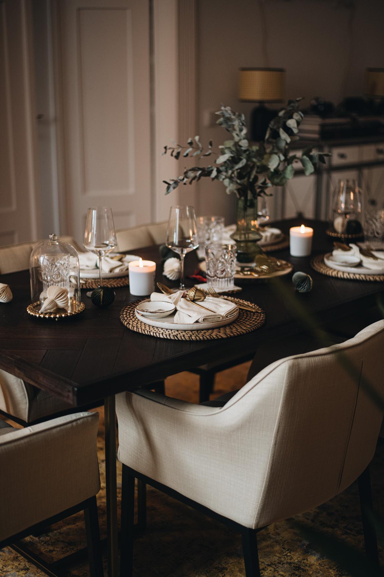 Moderne und zeitlose Tischdekoration