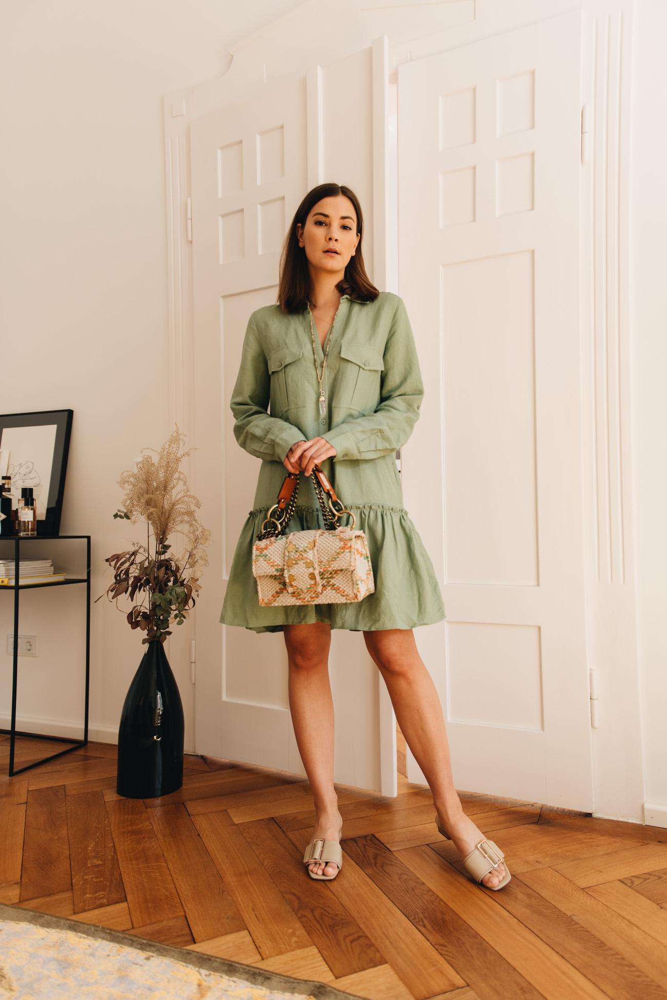 Grünes Leinenkleid