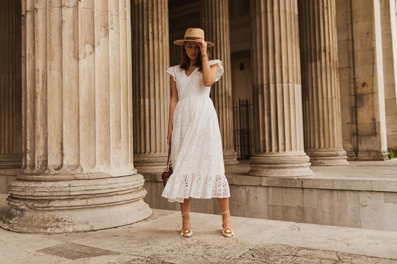 weißes Kleid aus Spitze